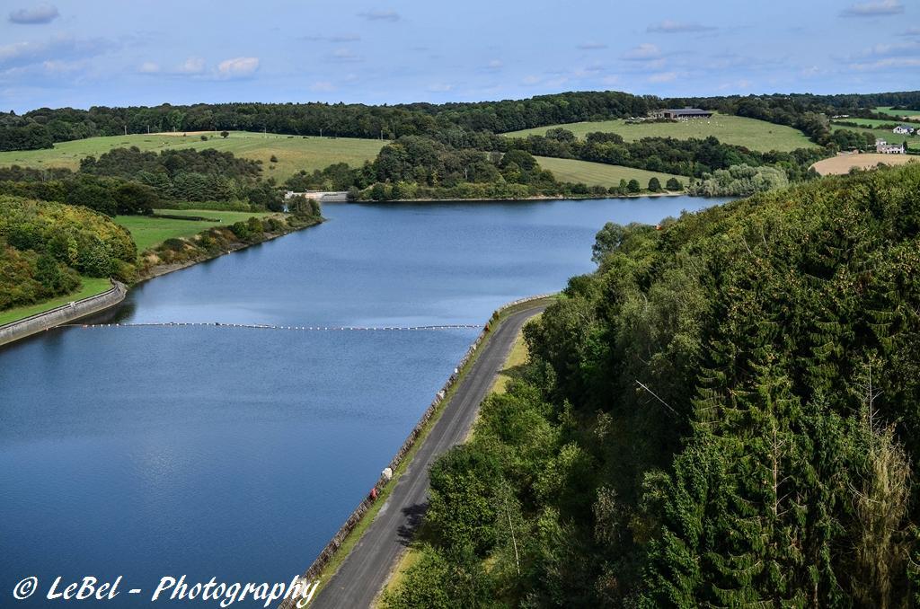 Vue du haut du barrage de Plate Taille, un des lacs de l'Eau d'Heure en belgique ! dans Paysages DSC_5407-Copier