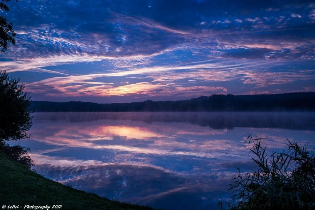 Une bonne journée à toutes et tous avec cette symphonie bleue sur l'étang du Hayon ! dans Aube dsc04268-copier